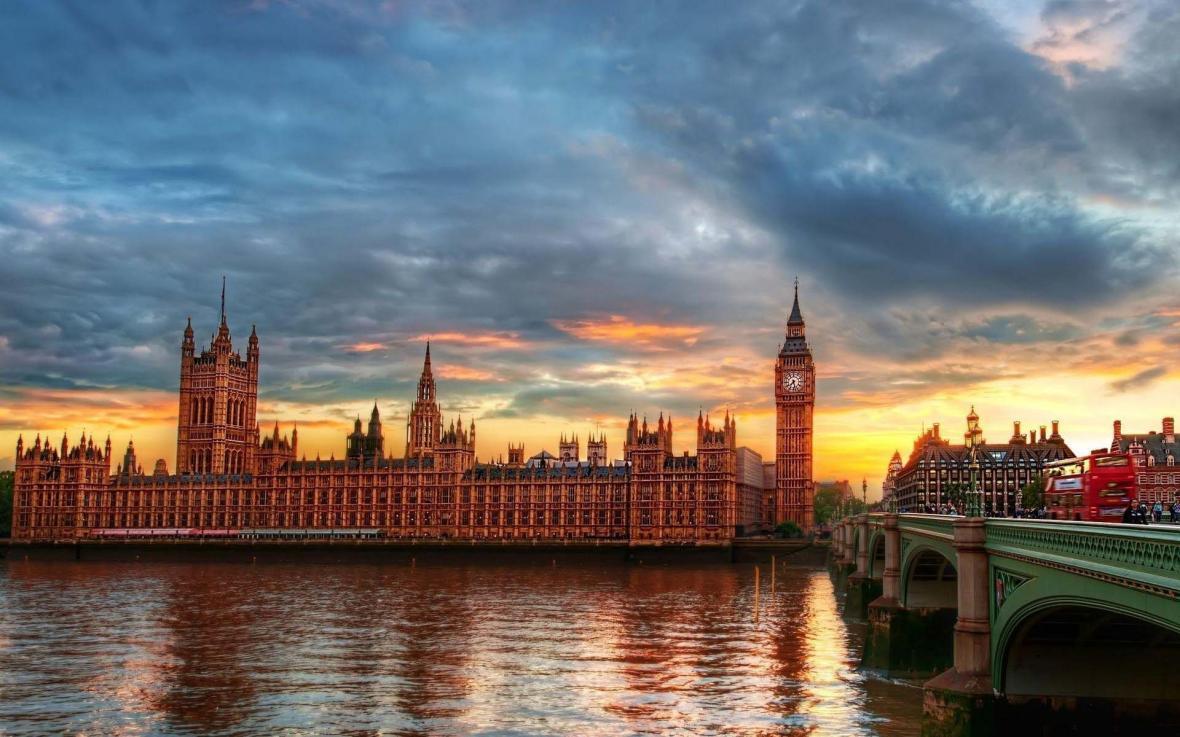 آشنایی با جاذبه های لندن در تور انگلیس