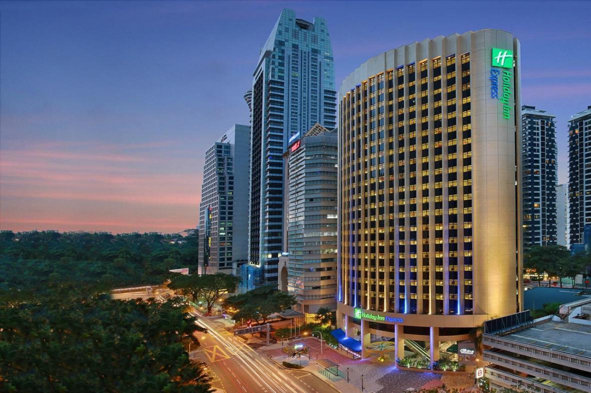 هتل 3 ستاره Holiday Inn Express کوالالامپور مالزی