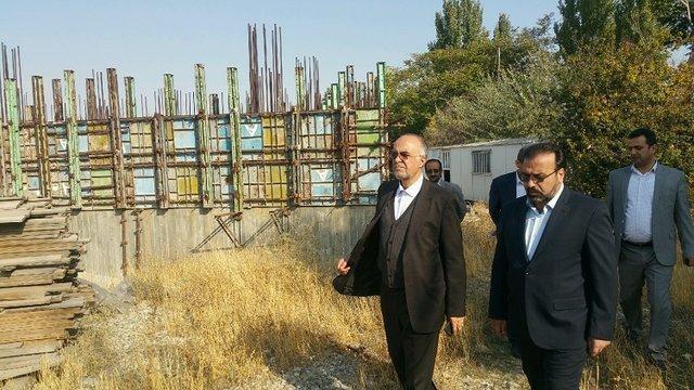 بازدید معاون پارلمانی وزیر فرهنگ و ارشاد اسلامی از روند ساخت موزه هنرهای معاصر تبریز