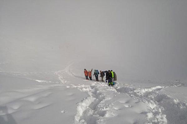 نجات 27 فرد گرفتار در ارتفاعات توچال