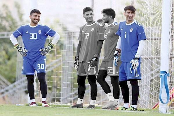 مظاهری-حسینی، دو مشتری و یک بلیت نامداری: شفر به خاطر جام ملت ها به حسینی بازی داد