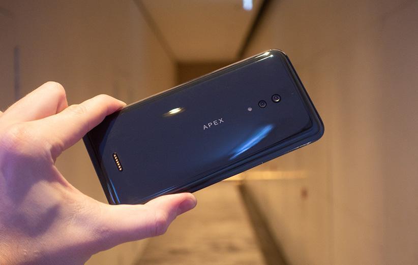 چرا ویوو فکر می کند گوشی های بدون پورت آینده هستند؟