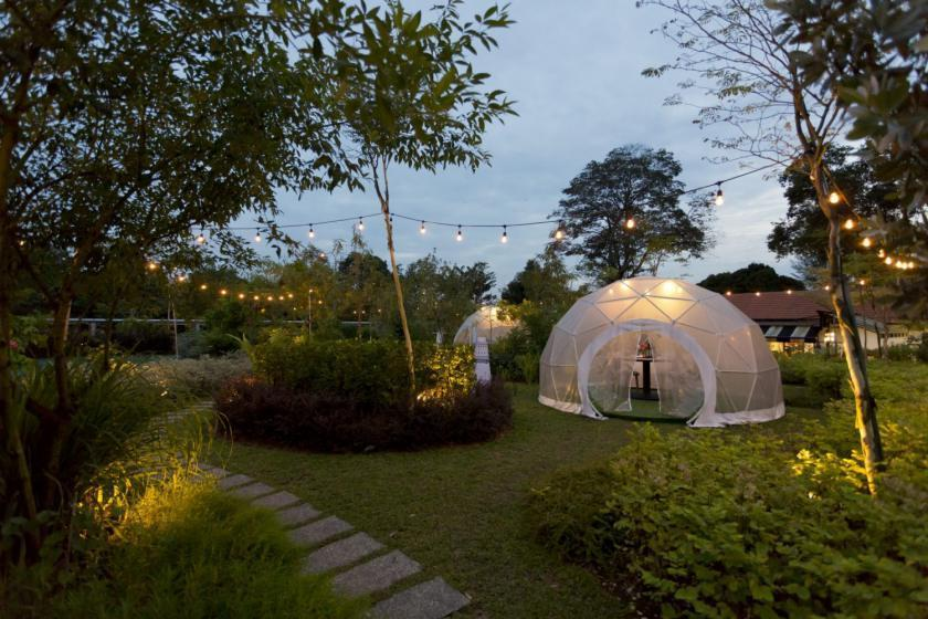 احداث یک باغ غذاخوری به شکل گنبد در سنگاپور