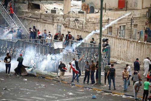 اعتراضات روز آدینه عراق، 30 کشته و 1800 زخمی (