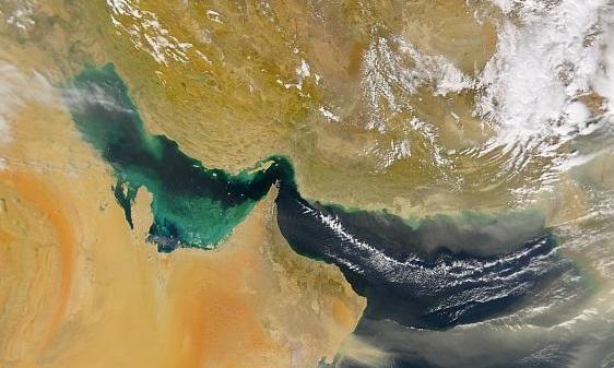 عکس، نیروی دریایی ارتش های روسیه و چین در راه ایران