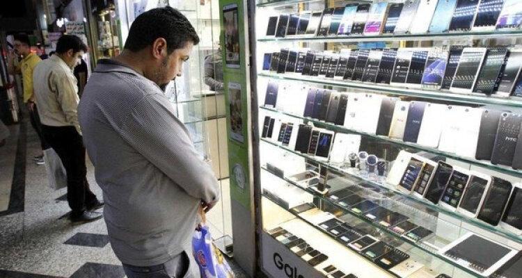 کره ای ها از بازار موبایل ایران هم می فرایند؟