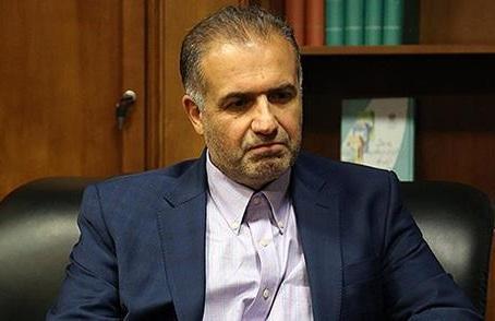 کاظم جلالی استوارنامه خود را تقدیم پوتین کرد