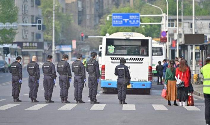 19 بیمار و 4 مرگ کرونایی در چین ، 3 دقیقه سکوت به یاد قربانیان
