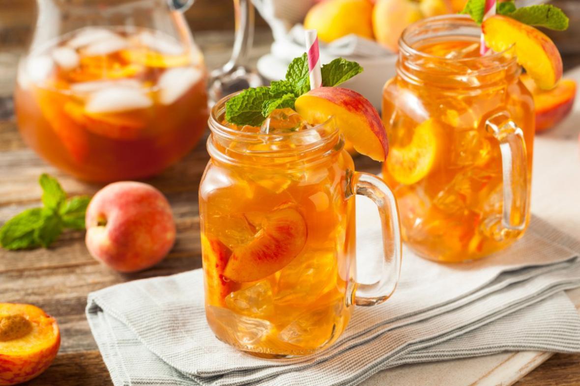 روز جهانی چای سرد؛ 3 طرز تهیه آیس تی هلو ، آیس تی چای سبز و آیس تی توت
