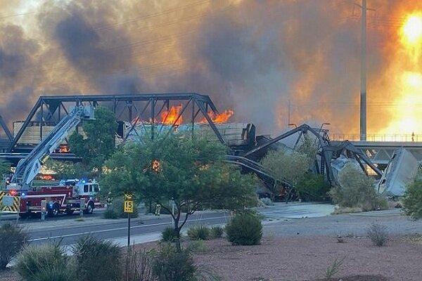 خروج از ریل و حریق یک قطار در آریزونا آمریکا، بخشی از پل فروریخت