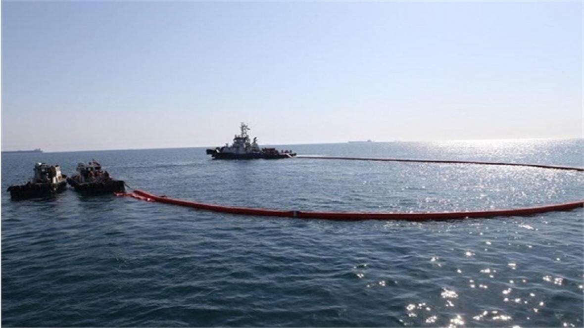 لکه نفتی خلیج فارس در محدوده آب های بوشهر پاکسازی شد