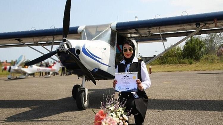 نخستین خلبان زن مازندرانی: در کارهایم نمی گردد و نمی توانم ندارم