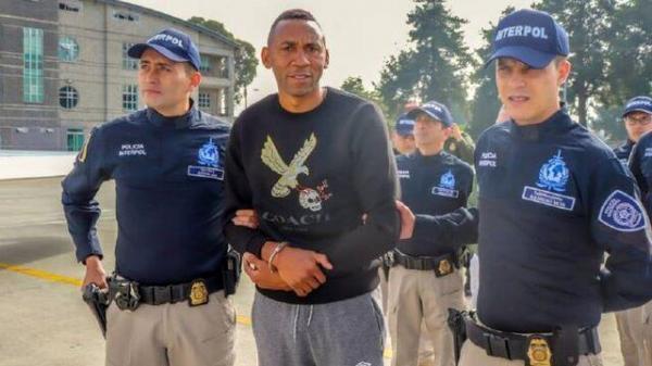 هافبک تیم ملی کلمبیا قاچاقچی از آب درآمد